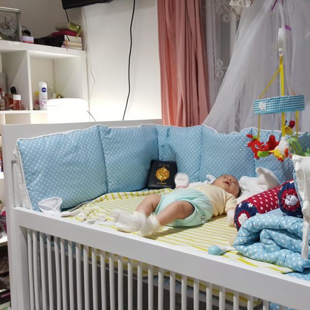 Ranjang Bayi + Lemari