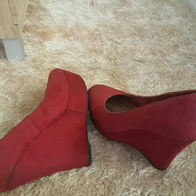 RED HEELS/WEDGE/SHOES