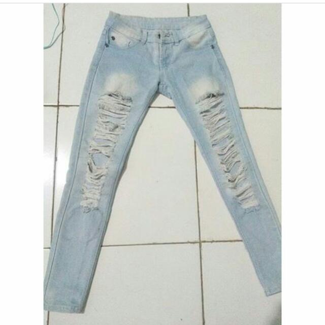 RIPPED JEANS BLUE WASH