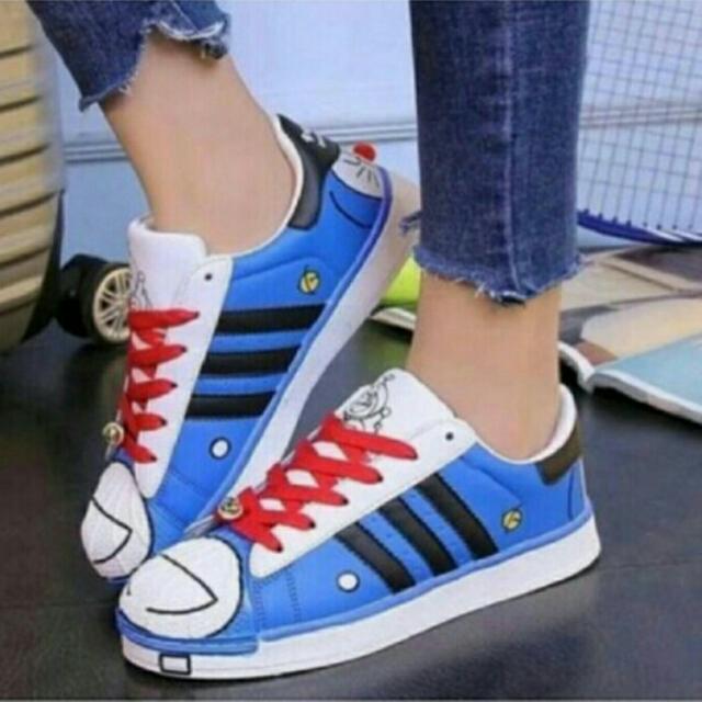 Sepatu Doraemon