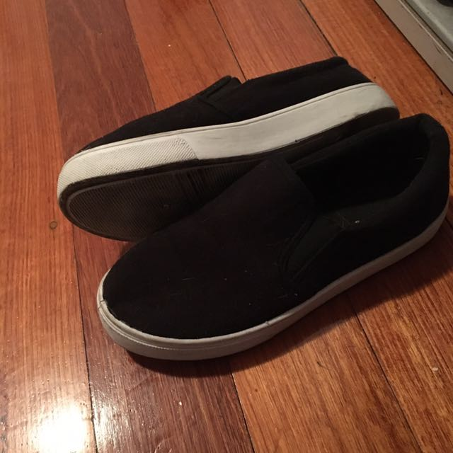 Size 6 Black shoes