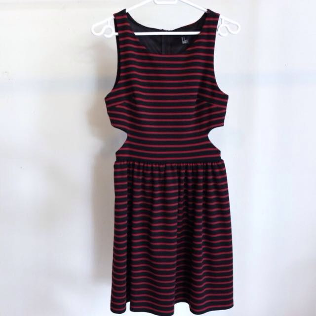 Stripes Dress With Cut Out - Forever 21