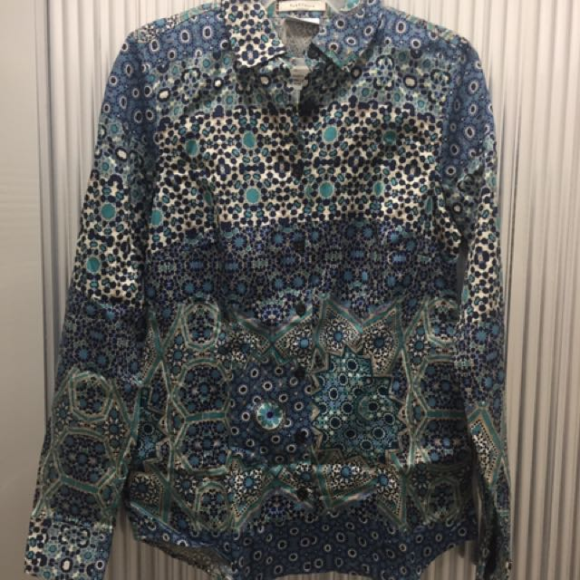 VAN HEUSEN LONG SLEEVED BLOUSE