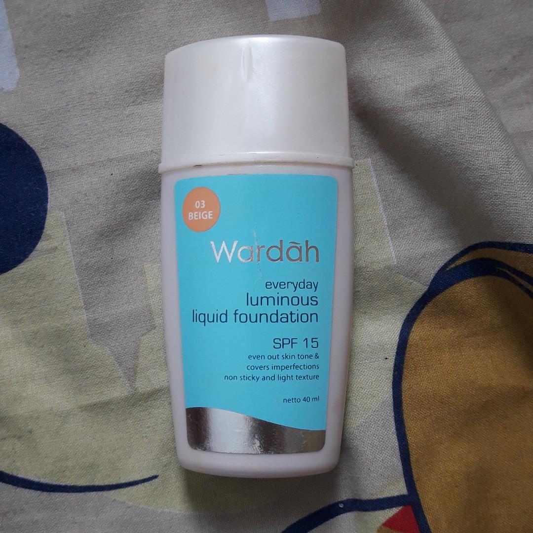 WARDAH Everyday Luminous Liquid Foundation Shade 03 (Beige)