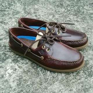 sperry amaretto