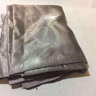 🚚 緞面遮光布 窗簾布 一碼 香檳色 :中間織入黑色紗 不透光 約一碼 便宜賣