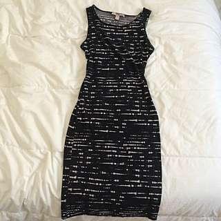 Forever 21 Black/White Midi Dress