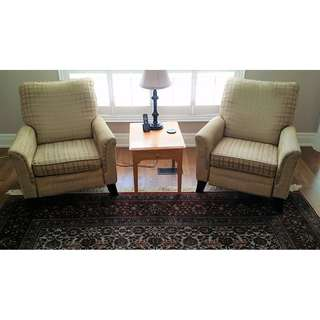 Pair of La-Z-Boy Recliners