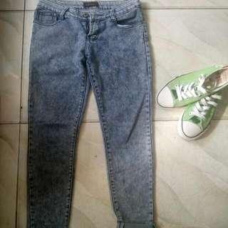 Preloved Jeans Size 26-27
