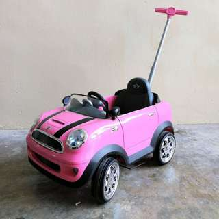 BRAND NEW Avigo Foot To Floor Ride On Pink Mini Cooper