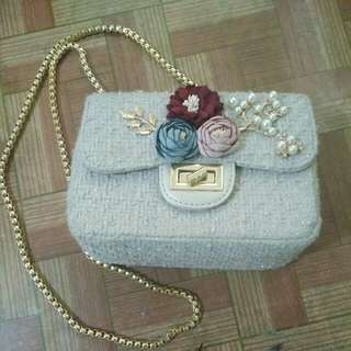 Flowers mini sling bag