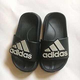 Adidas Slipper (Replica)