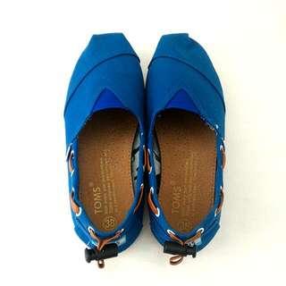 Sepatu TOMS Biru
