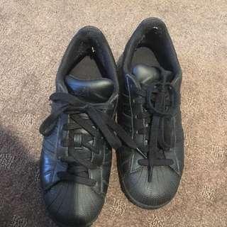 Pre Loved Adidas Superstars