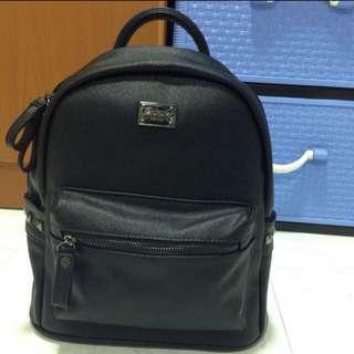 Zuom Classic Design Back Pack (Medium)