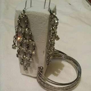 Long Ear Rings And Bracelet