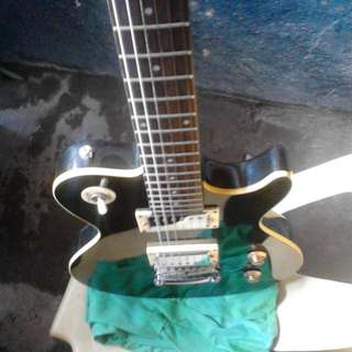 Electric Guitar W.multi Effects And Amp Package Deal Na Po.super Mura N Po To.PM Lang Po Sa Interested Tnx God Bless