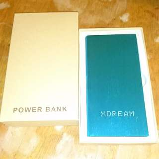 🚚 金屬狂潮行動電源 Power Bank