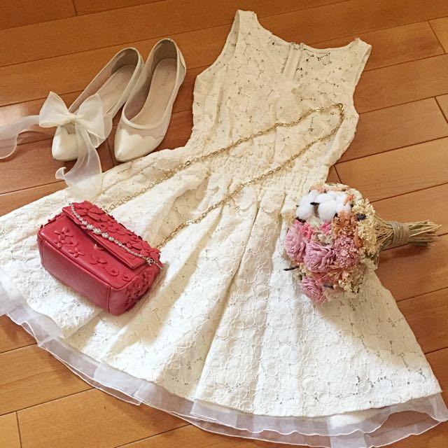 日本專櫃正品 Lily Brown 氣質米白蕾絲v領洋裝
