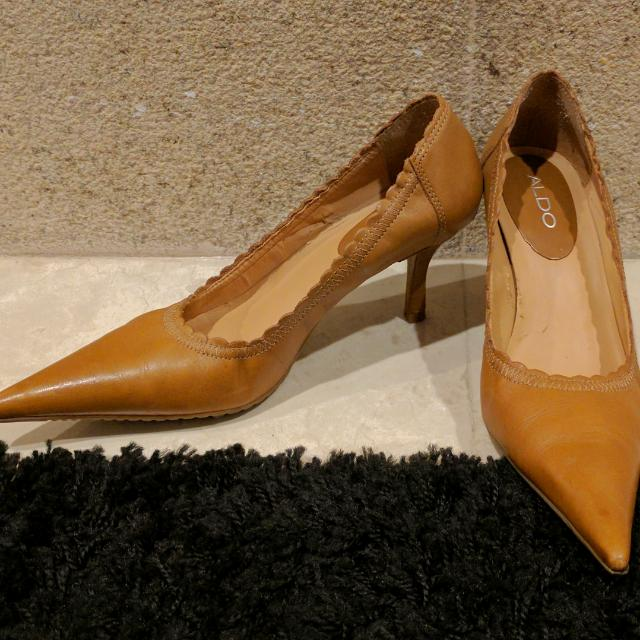 53caf4c9b50 Aldo Brown Leather Kitten Heel Pointed Toe Pumps