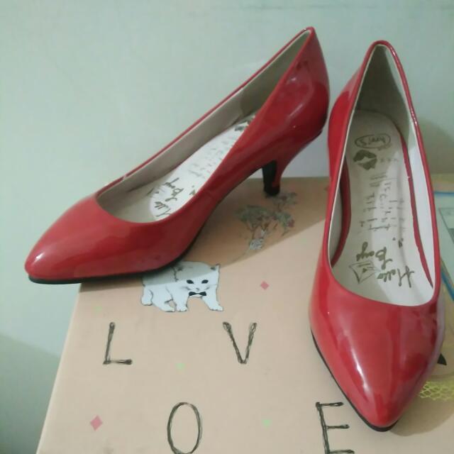 Ann's 尖頭漆皮小紅鞋35(免運)