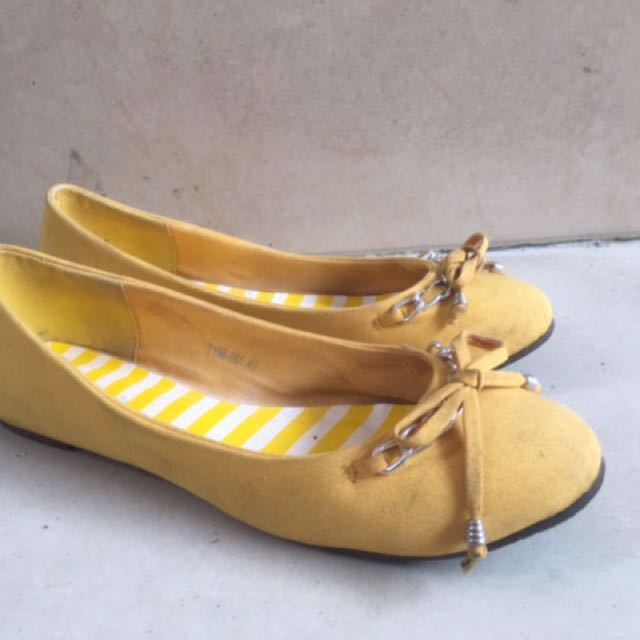 Bellagio Yellow Flat Shoes