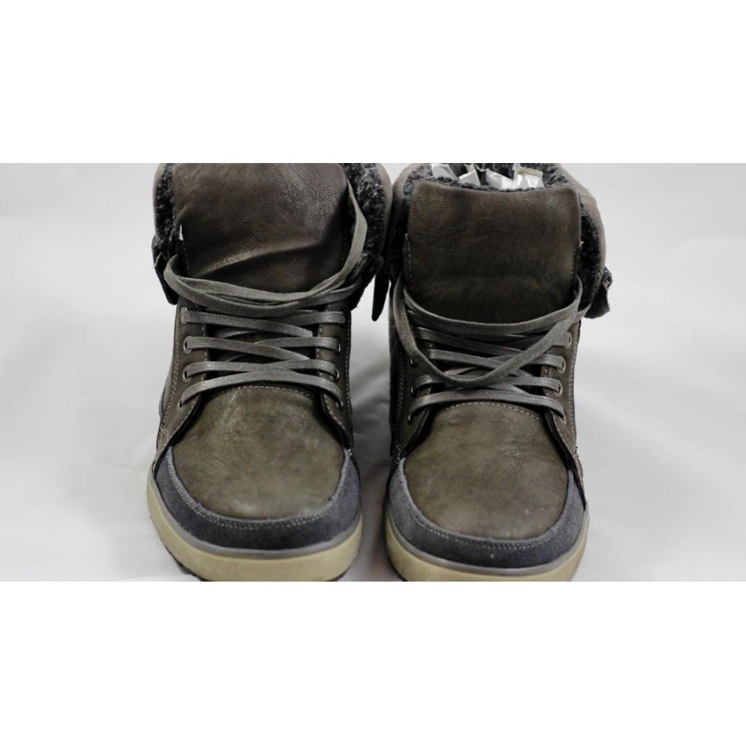 Brand new: Steve Madden Men's boots Size 13