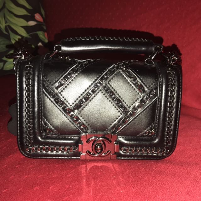 8fadd6ce5857 Chanel Python Enchanted Chained