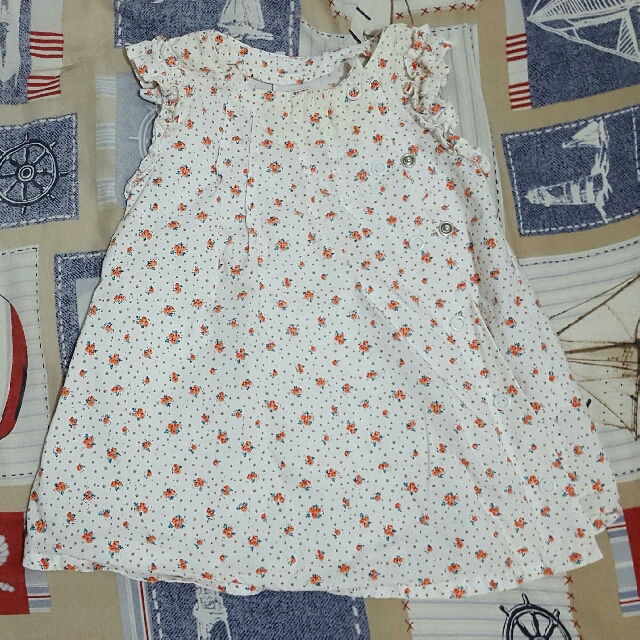 4 cotton dresses for P150 (3-6 mos)