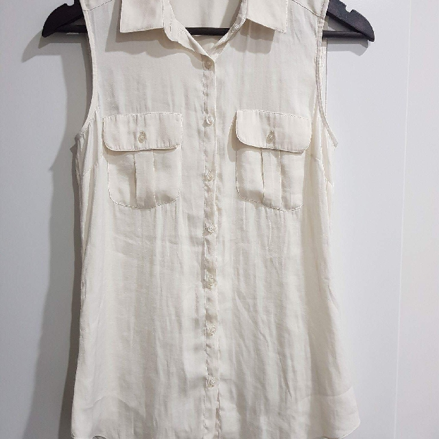 Forever New | Size 6 | Sleeveless Button Shirt
