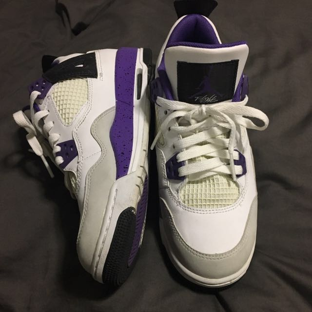 Girls - Jordan 4s Retro 5.5Y