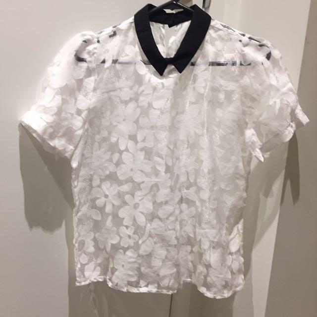 [NEW] Look Through White Flower Shirt
