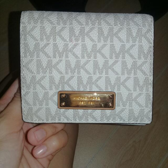Michael Kors carry all card case wallet