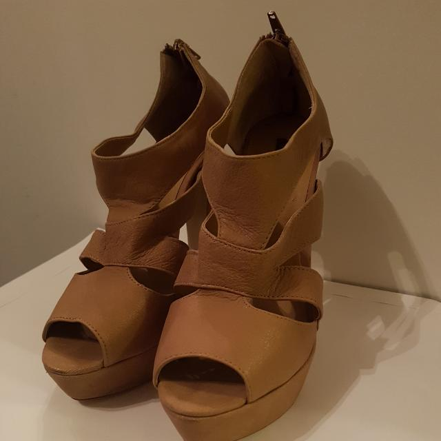 Near New Tony Bianco Nude Colour Heels Size 8