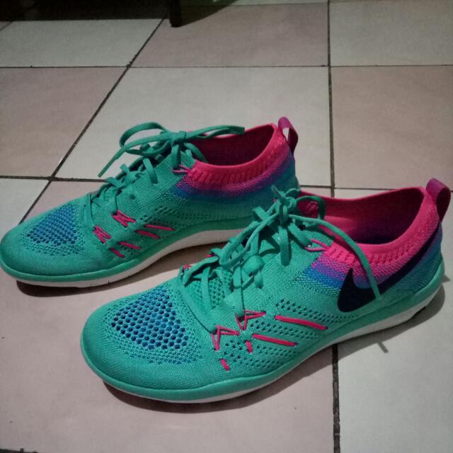 e1b593a69c6 Nike Free Run (focus flyknit)