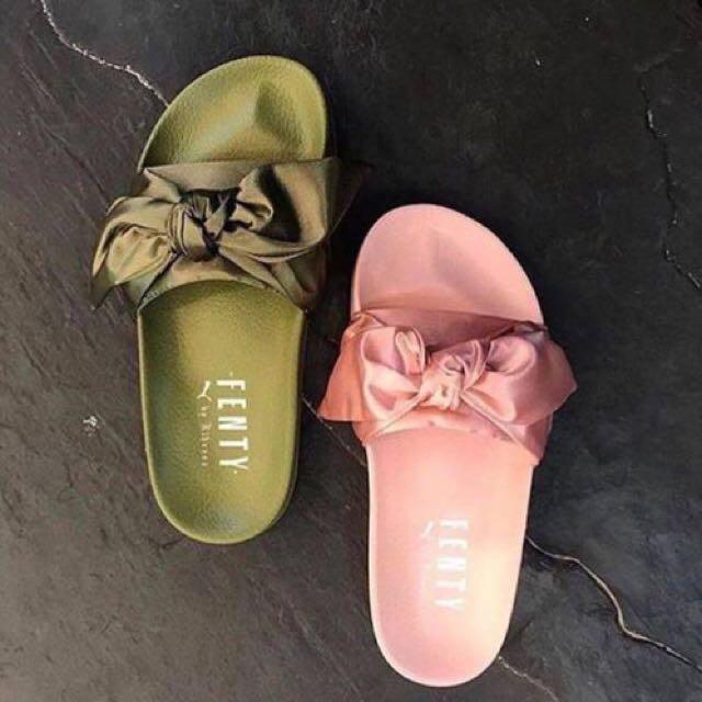 parilla La Internet cómo utilizar  Puma Fenty-Replica (Bow Sandal), Women's Fashion, Shoes on Carousell