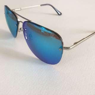 Quay Australia Muse Sunglasses (Blue and Silver)