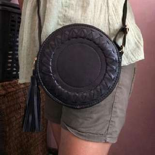 On Hand Black Round Bags