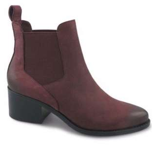 Heeled Wine Red Chelsea Boots - Size 40