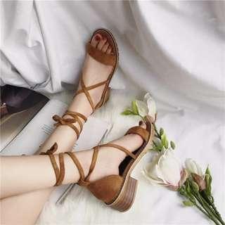 (預)春夏款氣質百搭羅馬綁帶粗跟女低跟鞋