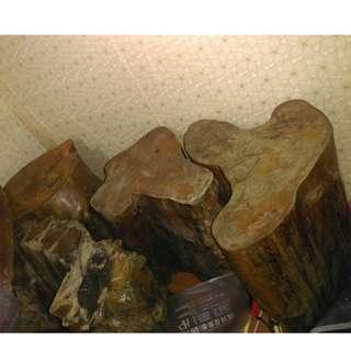 木頭桌子椅子底座平台