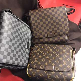 Louis Vuitton District Messenger Bag Small Size