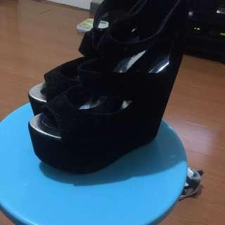 People R People Black Heels