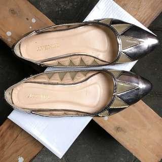 Avenue Shoes Size 37