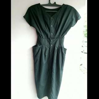 Dress Hitam Vintage Lucu😊