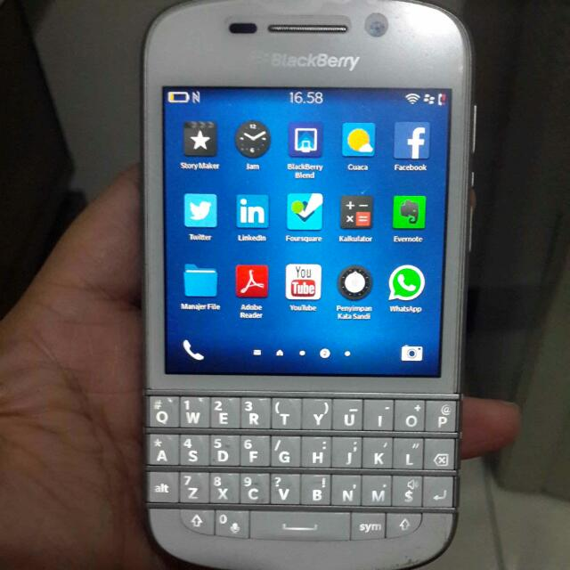 BB Q10 Putih, Mobile Phones & Tablets on Carousell