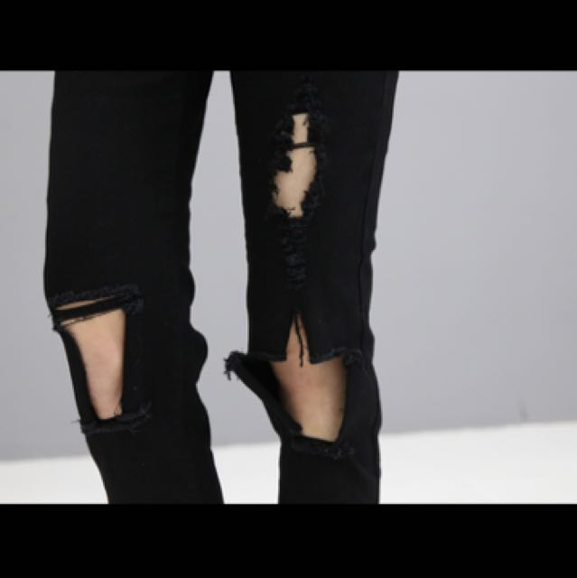 80bf00aac42 Black Torn and Ripped Jeans, Women's Fashion, Clothes, Pants, Jeans &  Shorts on Carousell