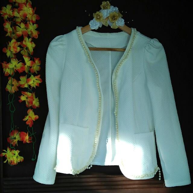 Blazer with white beads