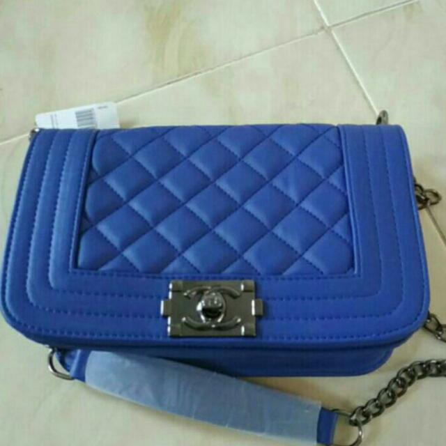 CHANEL MINI BLUE
