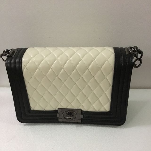 b9eafbf6d07b Inspired Chanel Sling Bag